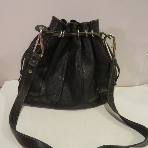 22b5646f654 Gucci Handbags - GUCCI BLACK PEBBLE LEATHER DRAWSTRING SHOULDER BAG